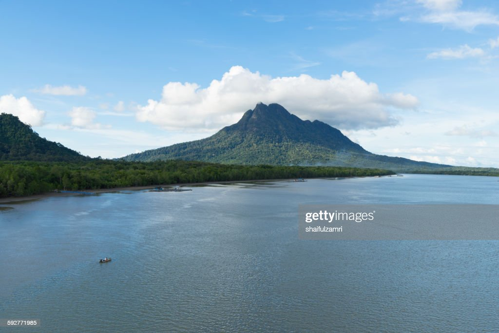 Mount Santubong in Sarawak : Foto de stock