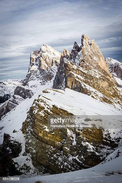 mount seceda, italian odle dolomites alps - francesco riccardo iacomino france foto e immagini stock