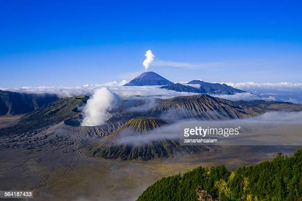 mount semeru volcano, mount bromo, east java, indonesia - mt bromo stock photos and pictures