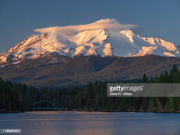 mount shasta and lake siskiyou, california, usa - siskiyou stock pictures, royalty-free photos & images