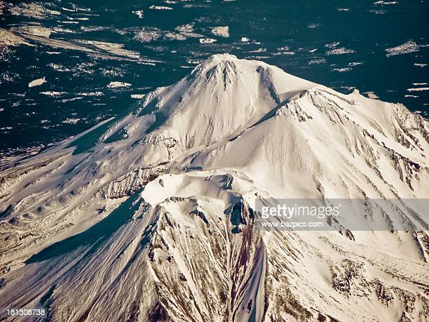 mount shasta crater from the air - mt shasta stock pictures, royalty-free photos & images