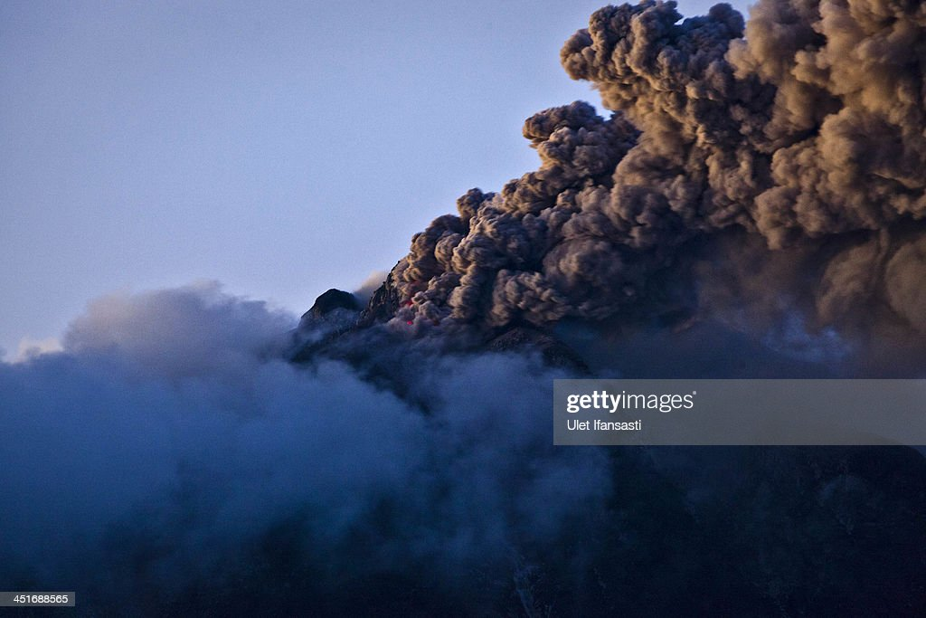 Mount Sinabung Eruptions Intensify : News Photo