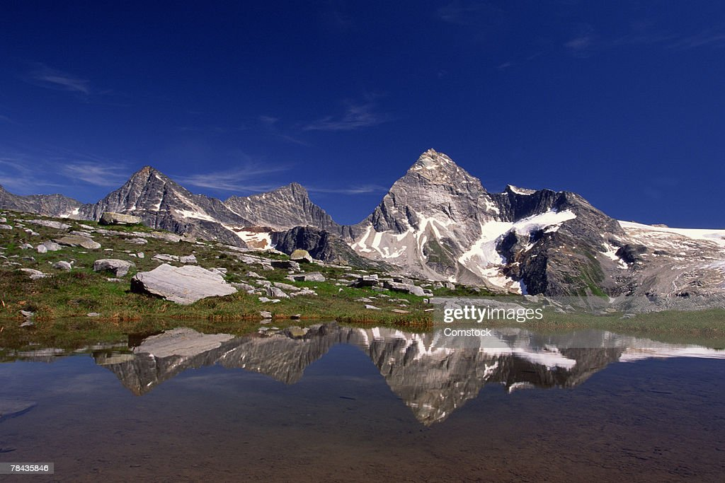 Mount Sir Donald and Illecillewaet Glacier , Glacier National Park , British Columbia , Canada : Stockfoto