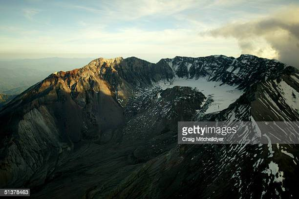 Mount St Helens is seen from the air September 30 2004 in Mount St Helens Washington Earthquakes have steadily increased in frequency and strength...