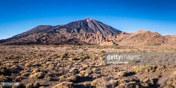 mount teide, teide national park, tenerife - el teide national park stock pictures, royalty-free photos & images