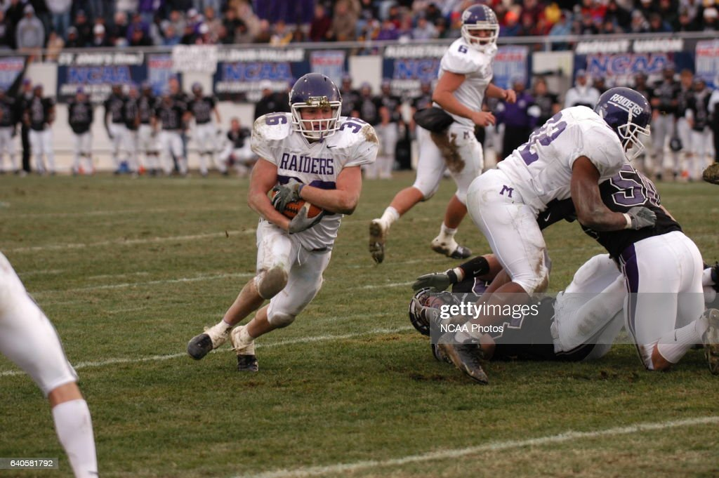 Mount Union Running Back Nate Kmic Scores His Third Td Of The Game