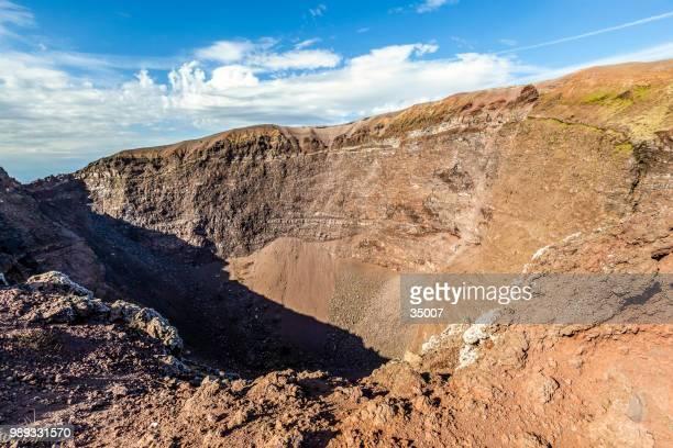 mount vesuvius volcano crater, italy - mt vesuvius stock pictures, royalty-free photos & images