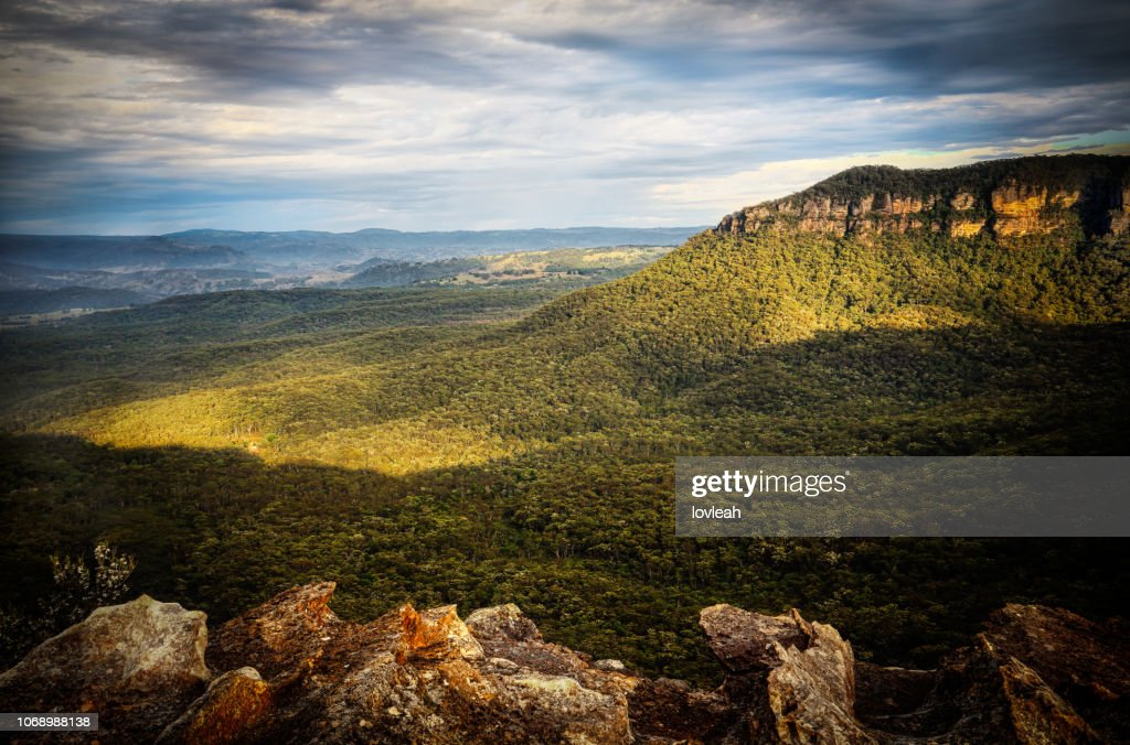 Mountain and valley views in early morning light.  Blue Mountains : Stock Photo