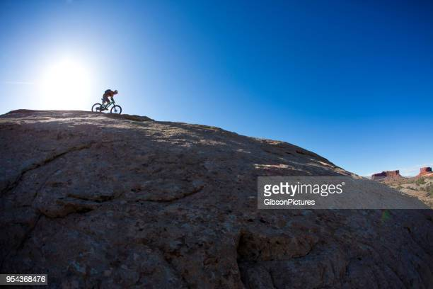 mountain bike moab utah - cross country cycling stock pictures, royalty-free photos & images