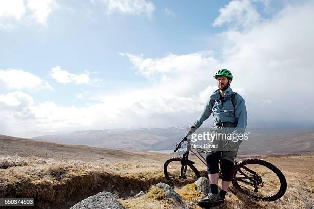 mountain bikers - mountain bike bicicleta - fotografias e filmes do acervo