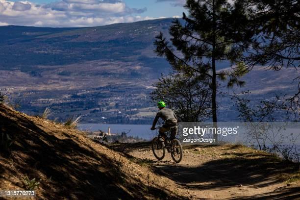 mountain biking - okanagan valley stock pictures, royalty-free photos & images