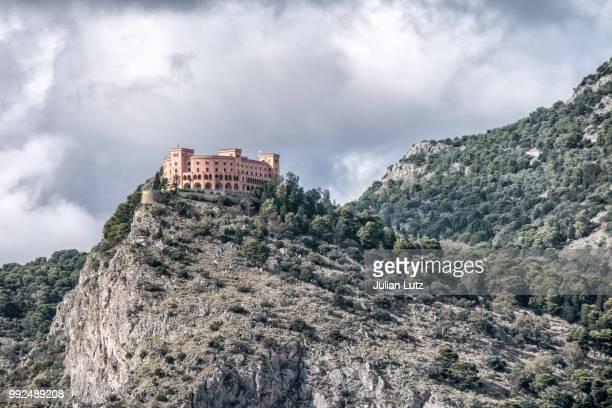 mountain castle - castle mountain stock photos and pictures