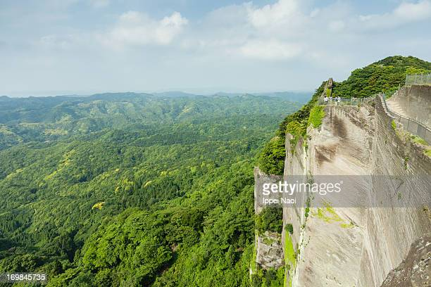 mountain cliff and vast forest, chiba, japan - 千葉県 ストックフォトと画像