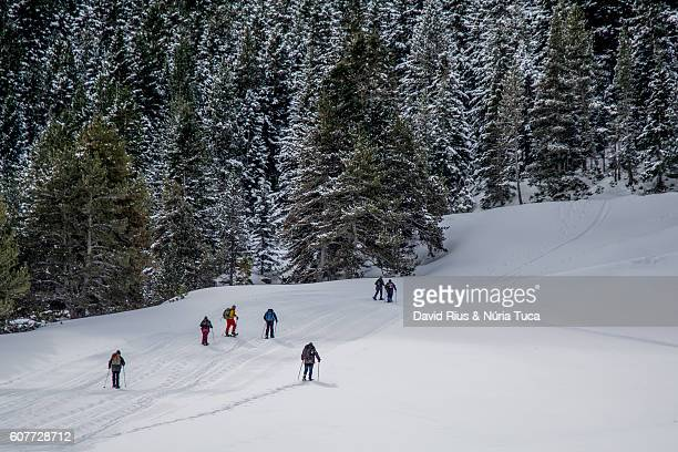 mountain climbers - lone pine california stock pictures, royalty-free photos & images