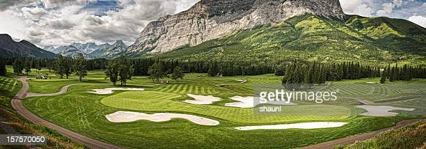 mountain-golfplatz - kananaskis stock-fotos und bilder