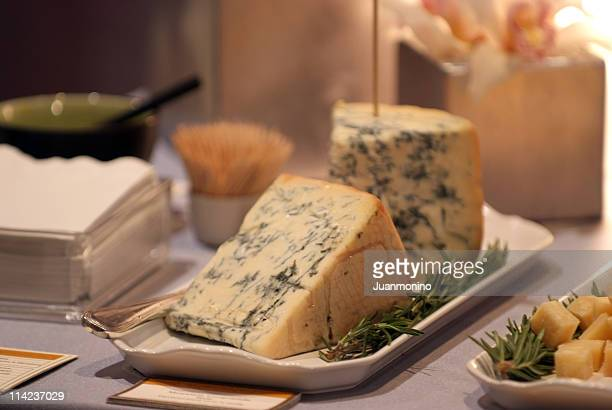 mountain gorgonzola - roquefort cheese stock photos and pictures