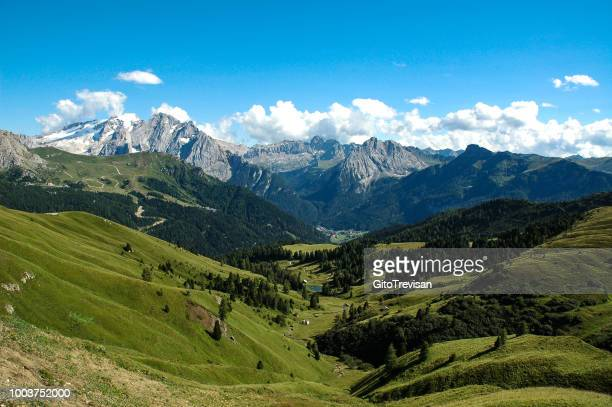 mountain landscape of the venetian dolomites,6 - veneto stock pictures, royalty-free photos & images