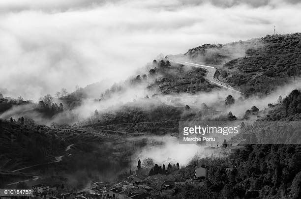 mountain landscape with smoky fog - appalachia stock pictures, royalty-free photos & images