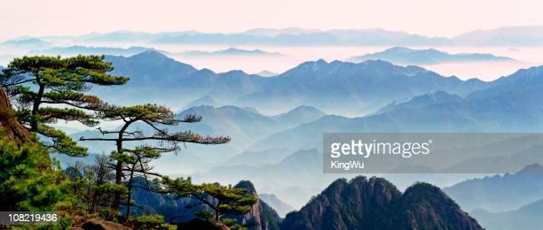 mountain mist - lotus flower peak stock pictures, royalty-free photos & images