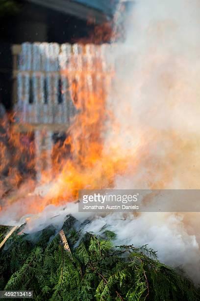Montanha de Cedar a incineração de madeira no Festival de fogo no Japão