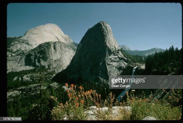 Mountain Pinnacle Yosemite National Park