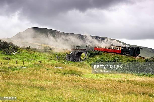 mountain railway - mount snowdon stock pictures, royalty-free photos & images