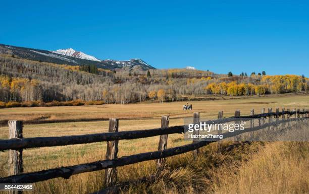 mountain ranch - ranch stock pictures, royalty-free photos & images