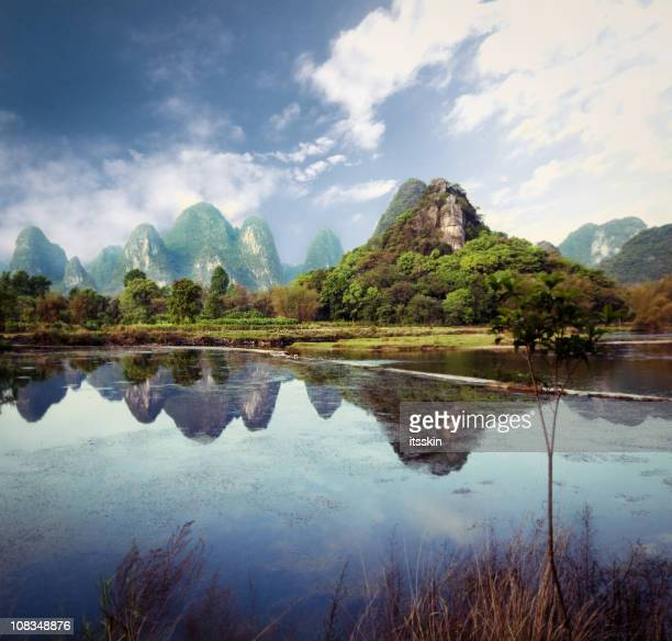 mountain range in guilin - upper peninsula stock pictures, royalty-free photos & images