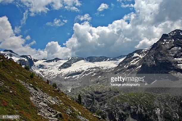 mountain range - escarpment stock pictures, royalty-free photos & images