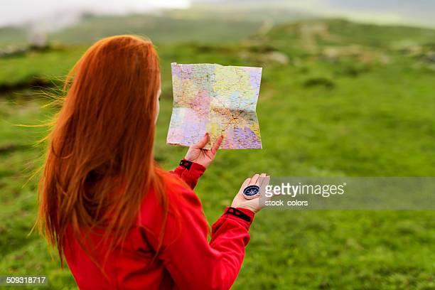 En montagne avec la carte