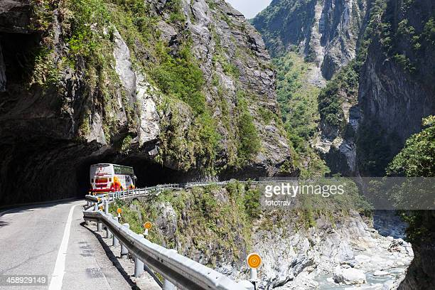 mountain road at taroko national park, taiwan gorges - hualien county stock pictures, royalty-free photos & images