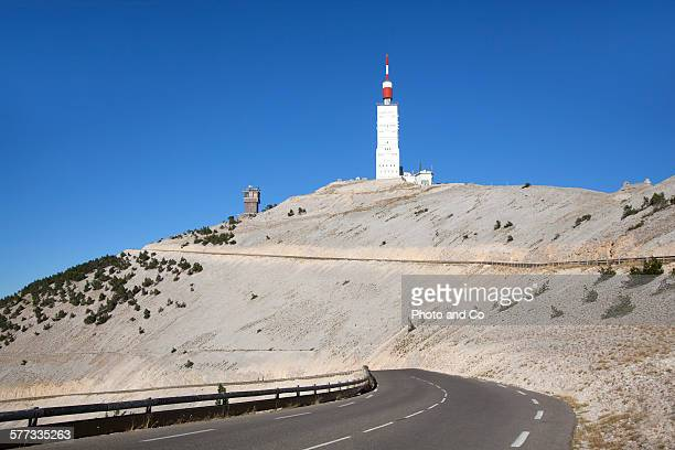 mountain road, north summit of mount ventoux - モンヴァントゥー ストックフォトと画像