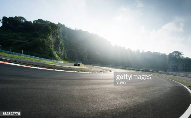 mountain road - motor racing track stock pictures, royalty-free photos & images