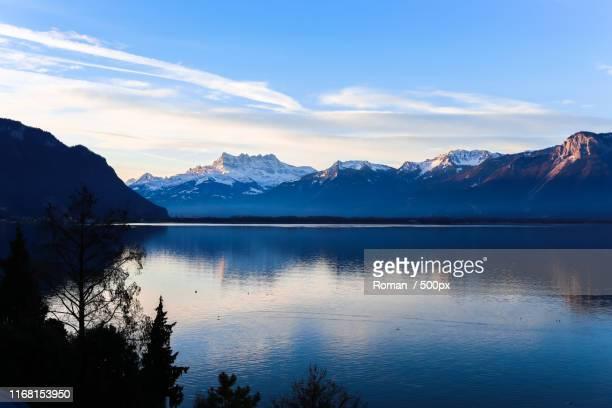 mountain scene - haute savoie fotografías e imágenes de stock