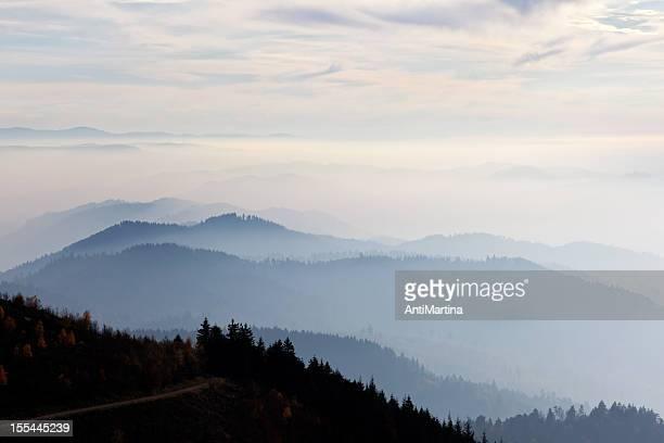 mountain skyline am Abend der Dämmerung