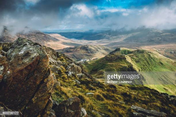 mountain top view from snowdonia - peter lourenco stock pictures, royalty-free photos & images