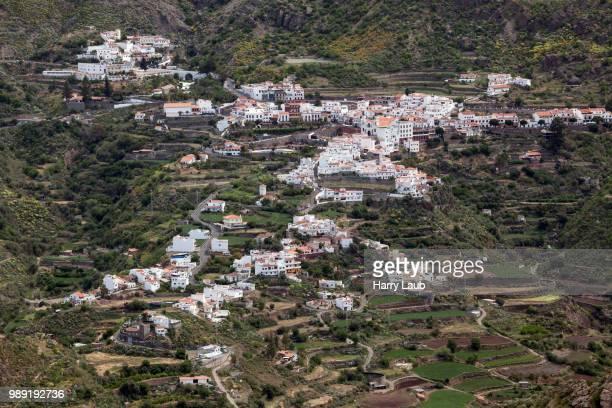 mountain village tejeda, gran canaria, canary islands, spain - tejeda fotografías e imágenes de stock