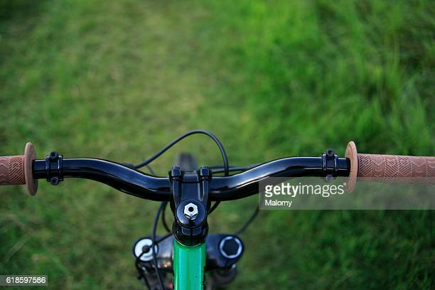 mountainbike handlebar. personal point of view. - hands free cycling stock pictures, royalty-free photos & images