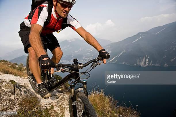 mountainbiking - lago di garda foto e immagini stock