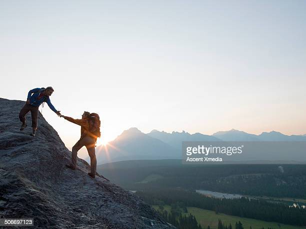 Mountaineer offers a helping hand to teammate, mtn