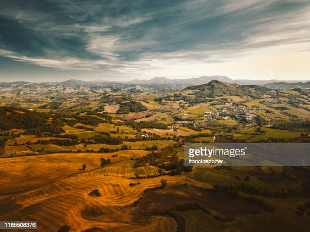 mountains in emilia romagna - italy - emilia romagna stock pictures, royalty-free photos & images