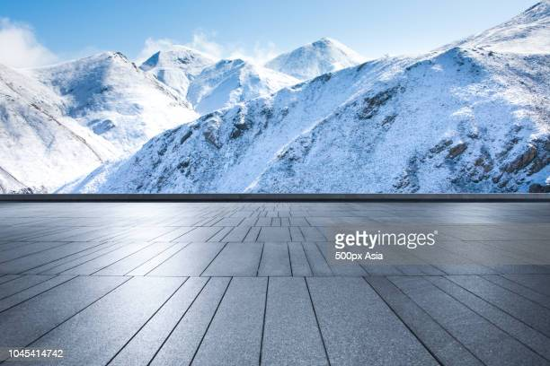 mountains in snow during daytime, canada - image stock pictures, royalty-free photos & images