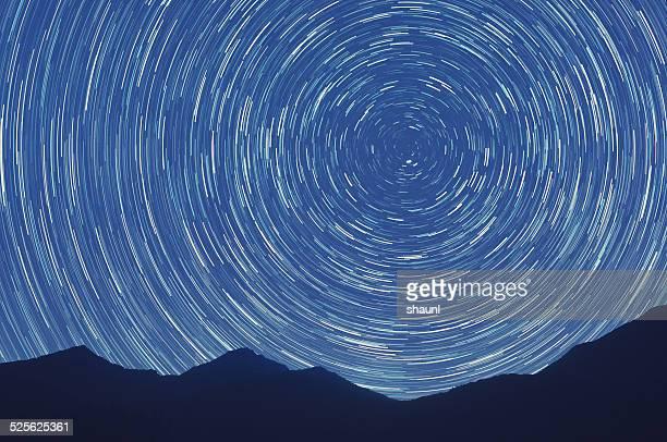 Montañas en las estrellas