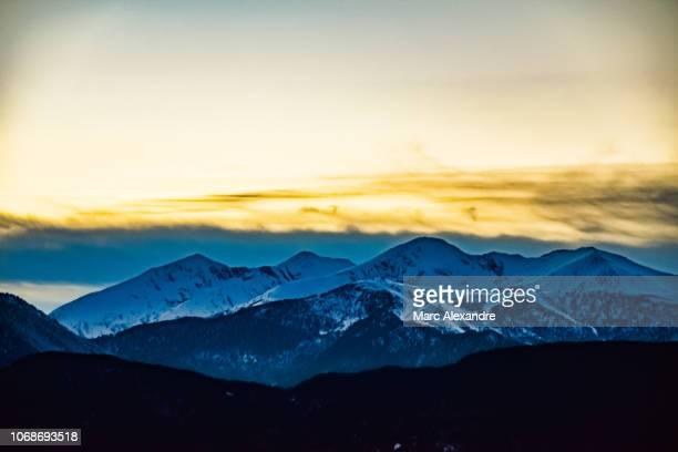 mountains - andorra fotografías e imágenes de stock