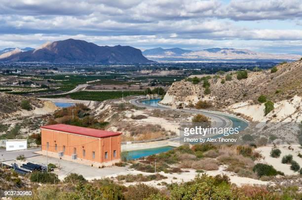 mountains - hügelkette stock-fotos und bilder