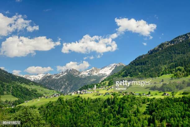 山の村 - フォアアールベルク州 ストックフォトと画像