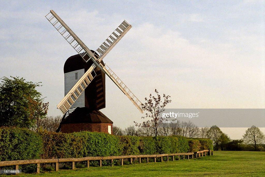 Mountnessing の風車 : ストックフォト