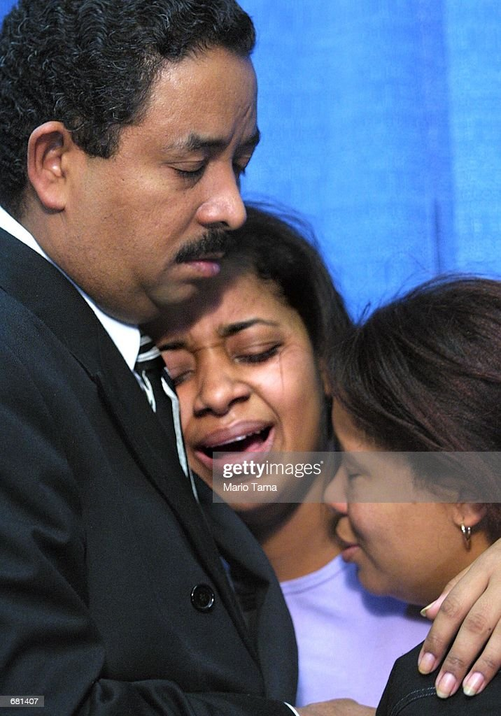 Dominicans Grieve in New York : News Photo