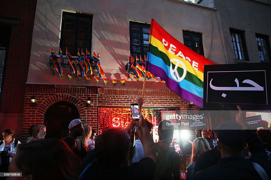 Mourners In New York Remember Victims Of Mass Shooting At Orlando Nightclub : News Photo