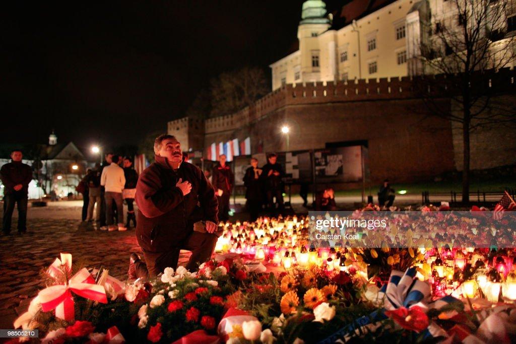 Krakow Prepares For Funeral Service Of Lech Kaczynski : News Photo